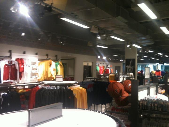 d13d482dcc Loja de fábrica da Nike  Nike Factory Store