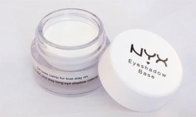 nyx-eyeshadow-base-white-02